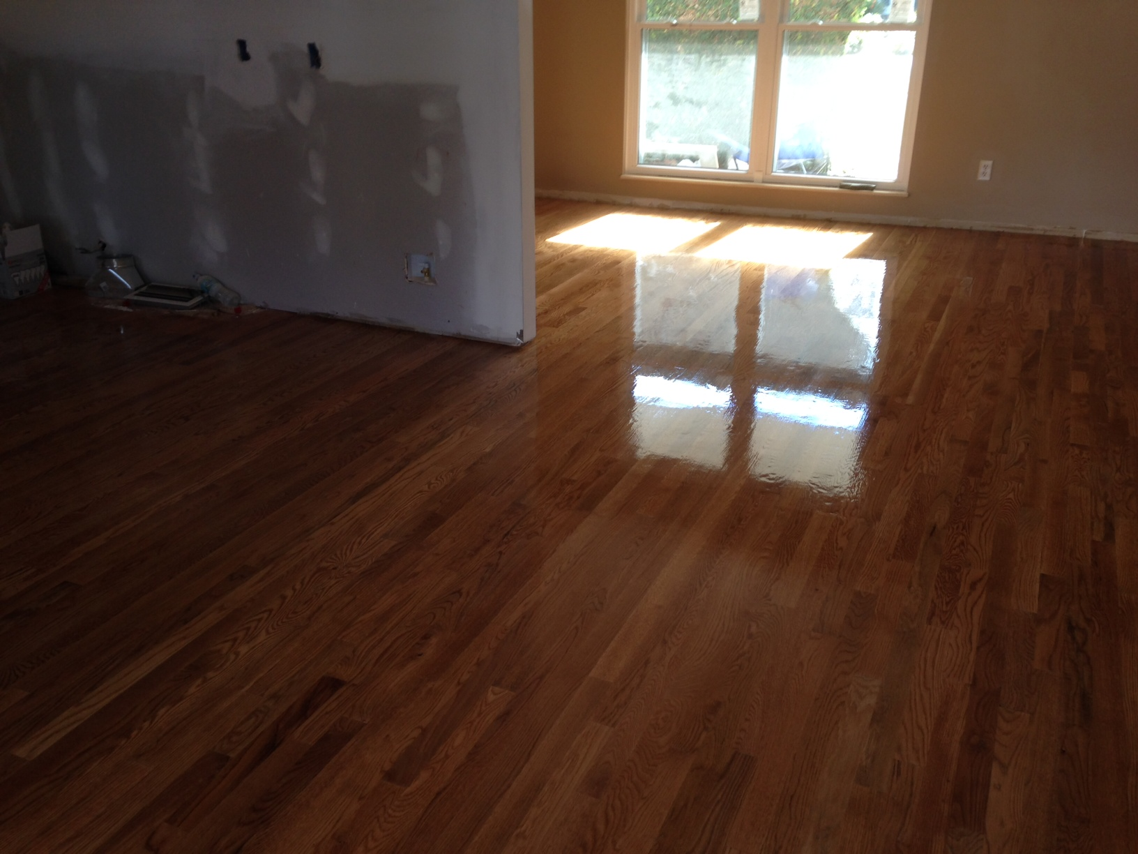 How to finish a hardwood floor with polyurethane for Hardwood flooring company