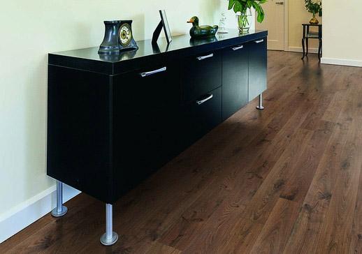 Clic Xtra Dutch Chocolate Oak Laminate Flooring By Columbia