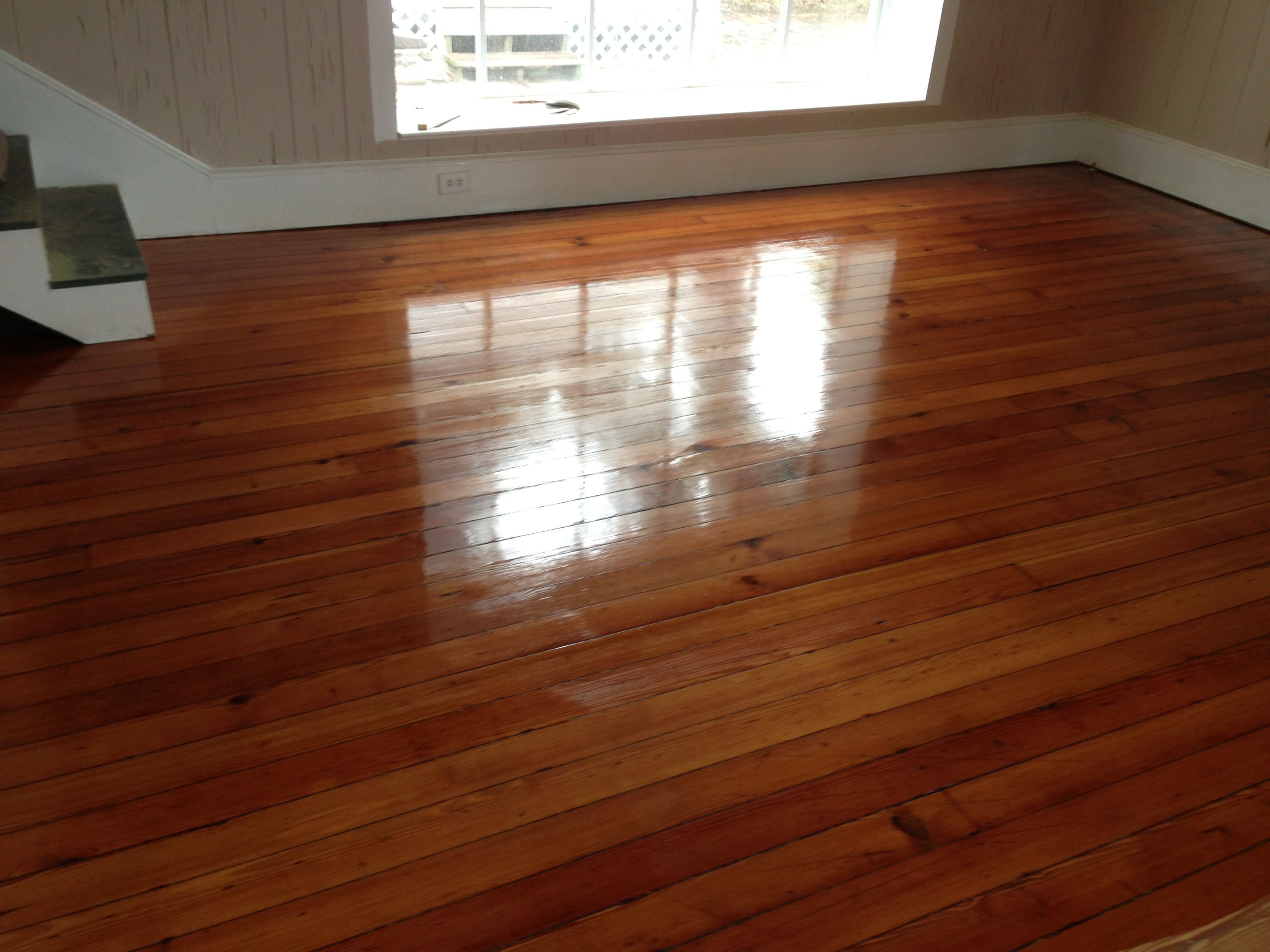 Heart Pine Solid Wood Flooring Refinish Project During Coating