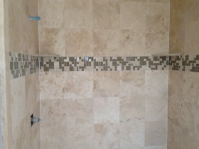 Travertine with Stone/Glass/Tile Inlay - Shower