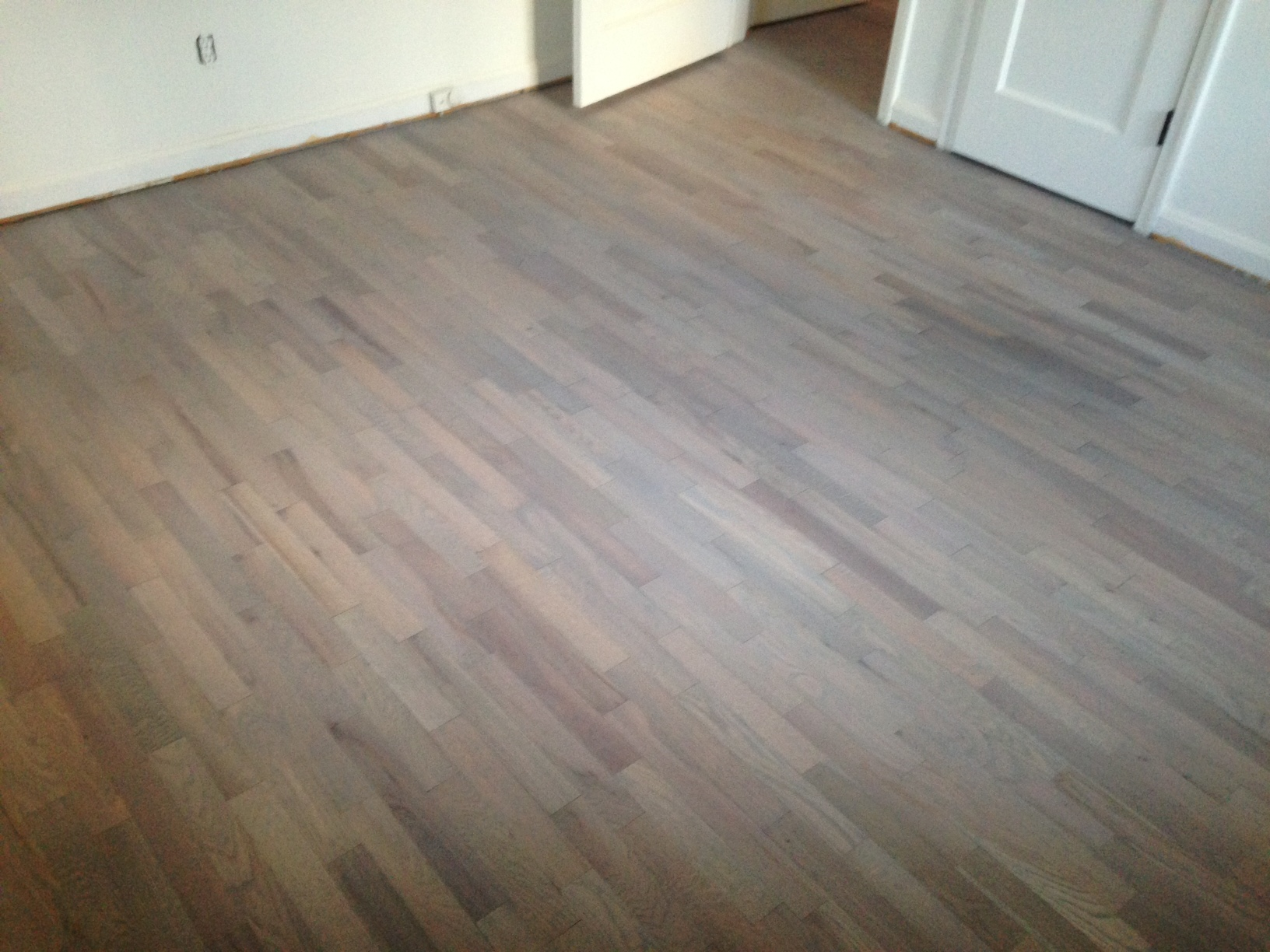 Refinishing wood floors for a beach house look dan 39 s for Hardwood floors or carpet