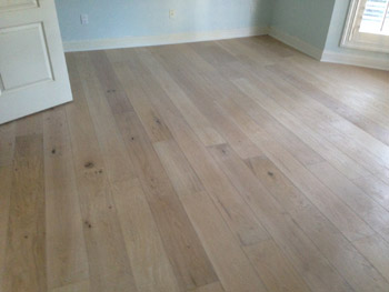 White oak with white stain plantation country club dan for Plantation flooring