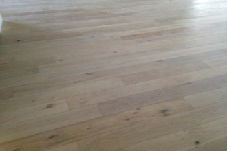 Engineered White Stained Oak Wood Flooring For A Beach House Look