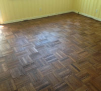Refinishing the DIY refinished parquet wood floor