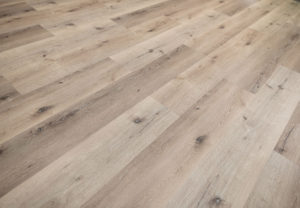 Engineered vinyl plank flooring by LM Flooring